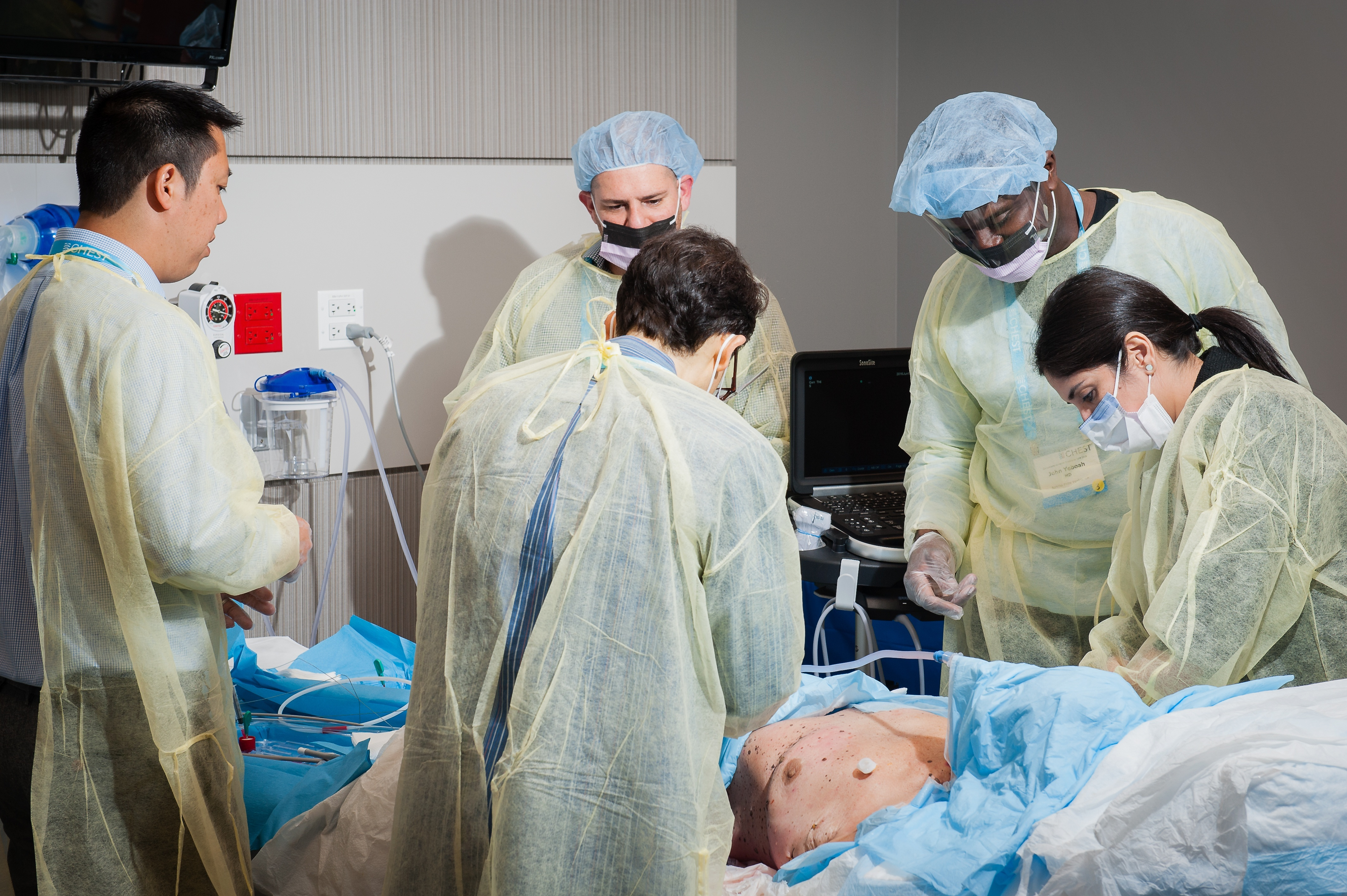 Chest tube insertion with cadavers